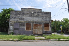 end of the line for 2901 Saunders Avenue