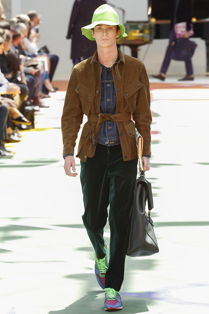 SS15 London Burberry Prorsum002_Oli Green(VOGUE)