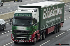 Volvo FH 6x2 Tractor with 3 Axle Curtainside Trailer - KW13 UCG - H4925 - Peyton Lois - Eddie Stobart - M1 J10 Luton - Steven Gray - IMG_5904