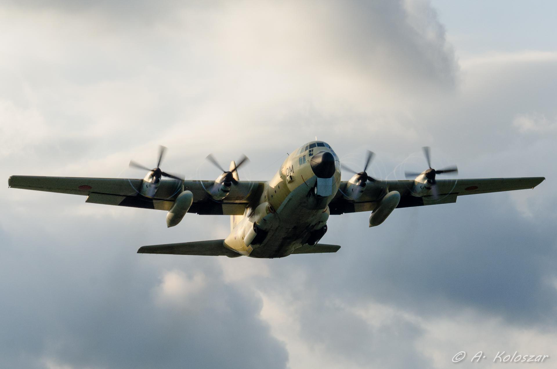 طائرات النقل العاملة بالقوات المسلحة المغربية 14510089709_ed1e5a119f_o