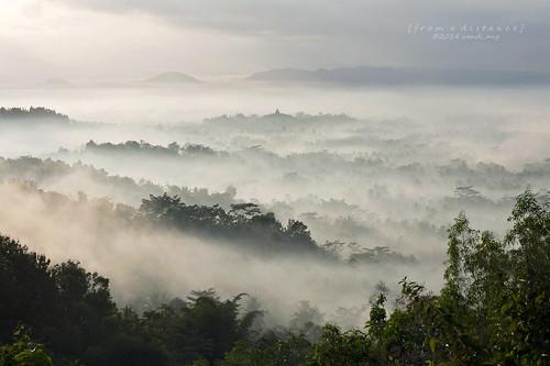 misty fog sunrise canon indonesia wonder landscape eos java central landmark seven 5d ang jawa borobudur randi magelang candi tengah jateng setumbu puthuk