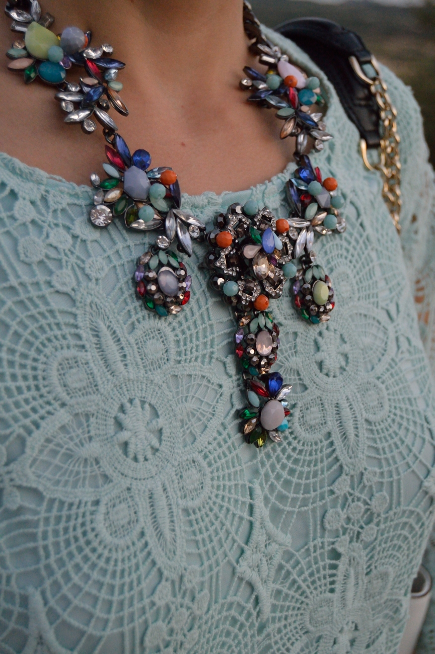 lara-vazquez-mad-lula-blog-fashion-necklace-mint-look