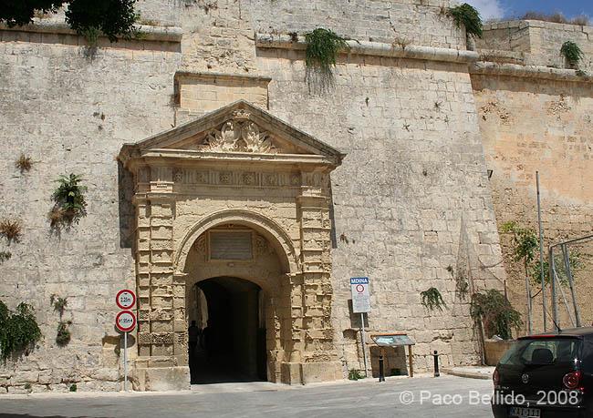Una puerta de Mdina. © Paco Bellido, 2008
