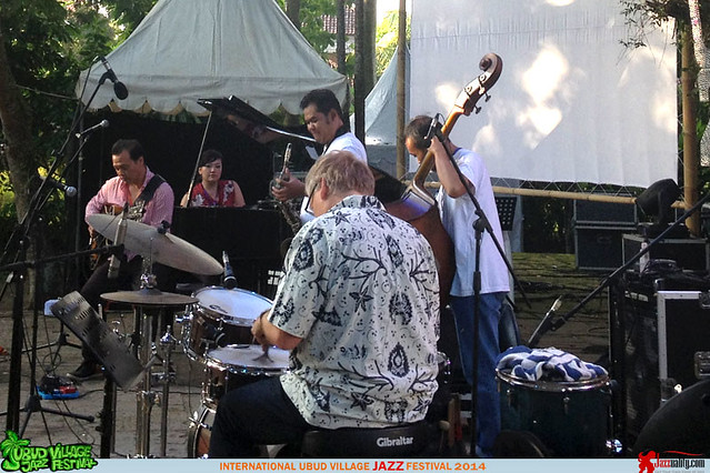 Ubud Village Jazz Festival 2014 - Yuri Mahatma Astrid Sulaiman (5)