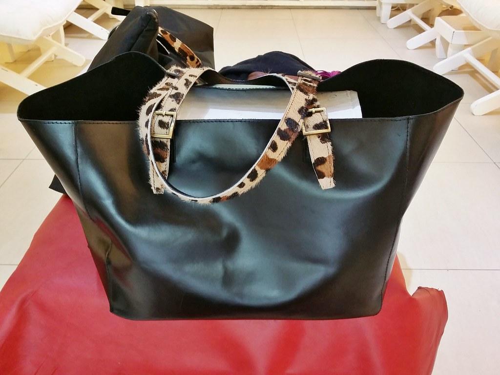 Niqua-leather-bag