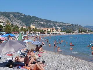 Playa pública de Menton (Costa Azul, Francia)