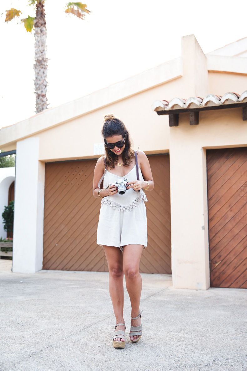 Summer_jumpsuit-Boho_Clutch-Olympus-Outfit-Collage_Vintage-25