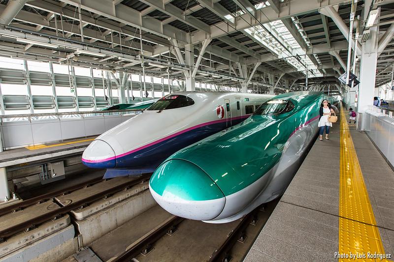 Shinkansen Series E5 y E2 en Shin-Aomori