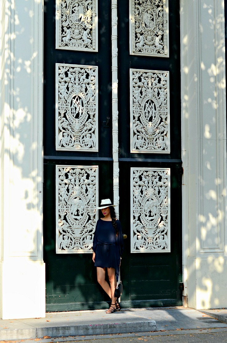 DSC_7434 Amsterdam door, Panama Hat, Chanel Boy Bag