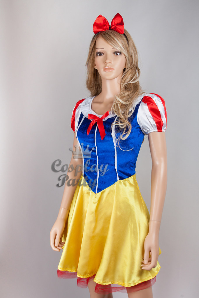 Sexy snow white outfit