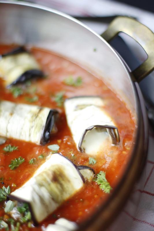 _MG_6246  Rollitos de berenjena con mozarrella y  salsa de tomates casera