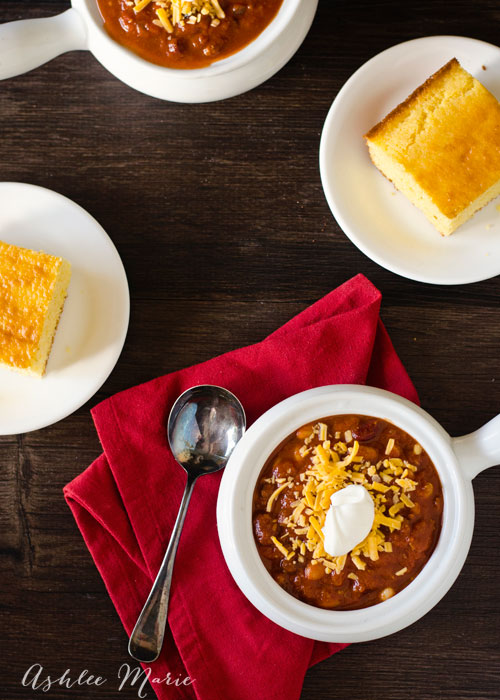 a quick and easy chili recipe, perfect for fall