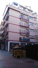 Situado en pleno centro y segunda linea de playa. Solicite más información a su inmobiliaria de confianza en Benidorm  www.inmobiliariabenidorm.com