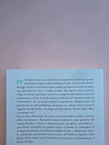 Come finisce il libro, di Alessandro Gazoia (Jumpinschark). minimum fax 2014. Progetto grafico di Riccardo Falcinelli. Quarta di copertina (part.), 1