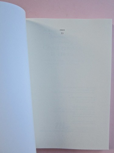 Come finisce il libro, di Alessandro Gazoia (Jumpinschark). minimum fax 2014. Progetto grafico di Riccardo Falcinelli. Pag. dell'occhiello / carta di guardia (part.), 1