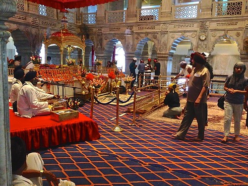 music at Sisganj Gurdwara