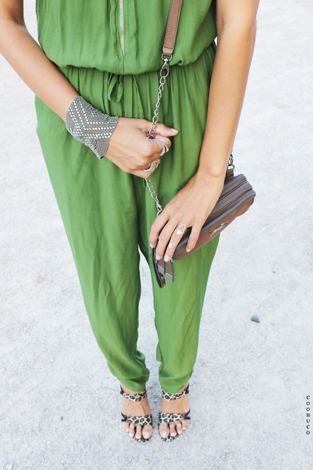 green jumpsuit coohuco 3