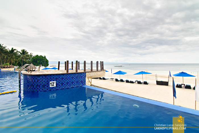Infinity Pool at Bellevue Resort in Panglao Island