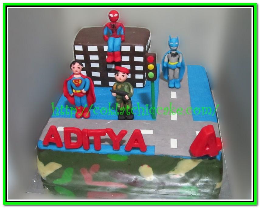 Kue ulang tahun spiderman, superman dan batman
