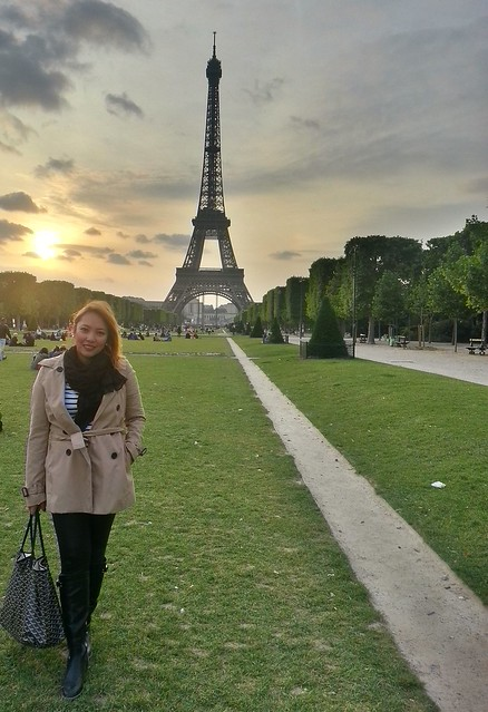 The Sunset Goddess in Paris