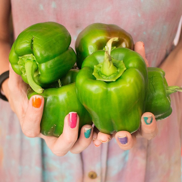 I predict stuffed peppers will be in my near future, yum! Just picked these babies from the garden! #peppers #greenpeppers #vegetablegarden #nails #rooftop #NYC #Brooklyn #vegetables #healthyeating #garden #gardening #urbanfarming #urbangarden #containerg