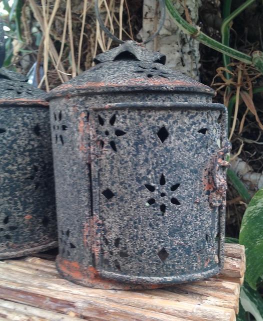 Small lanterns
