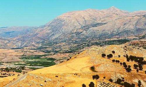 history tourism archaeology turkey landscape view royal burial mound commagene karakuştumulus