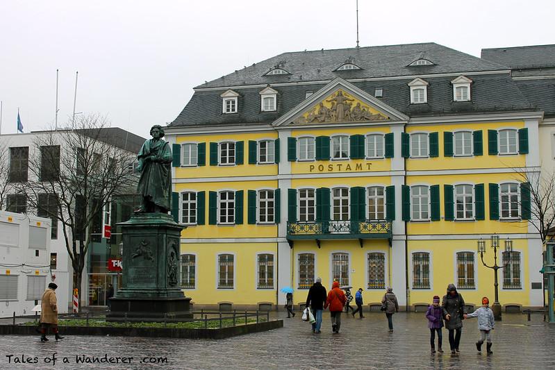 BONN - Münsterplatz - Beethoven-Denkmal