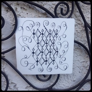 "Zentangle® Inspired Art : Weekly Challenge #183 UMT X-Did : ""Bejeweled"""