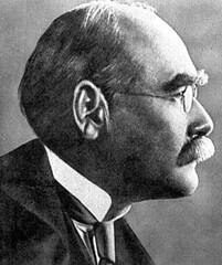 叢林奇談作者,約瑟夫·魯德亞德·吉卜林(Joseph Rudyard Kipling,1865/12/30~1936/1/18),圖片來源:維基百科。