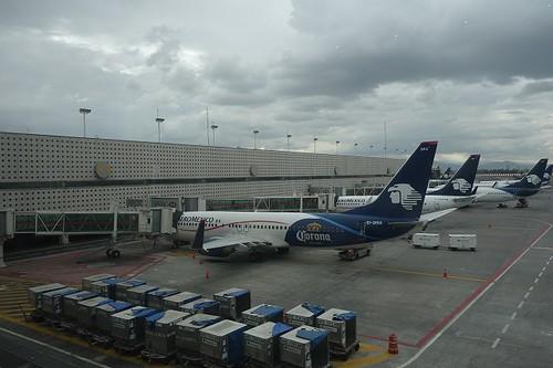 メキシコ空港で