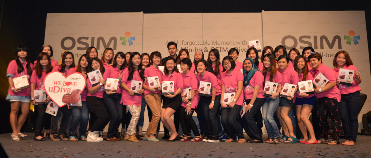 Lucky Fans Group Photo with Lee Min-ho