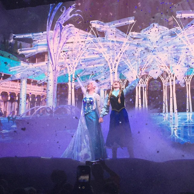 "It snowed ❄️❄️❄️ on us (a lot!) at the end of the Frozen Sing-Along! So cool! Autumn, but of course, told me... ""Mom, it's soap foam, not real snow."" Lol. Smart girl! #frozen #frozensingalong #Disney #hollywoodstudios"