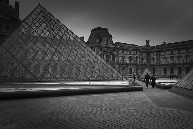 Pyramide du Louvre - 2017