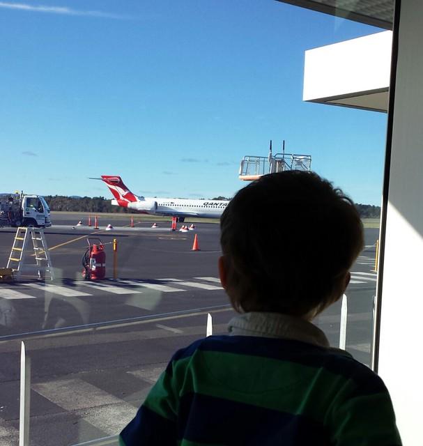 Qantas is red like Simon Wiggle!