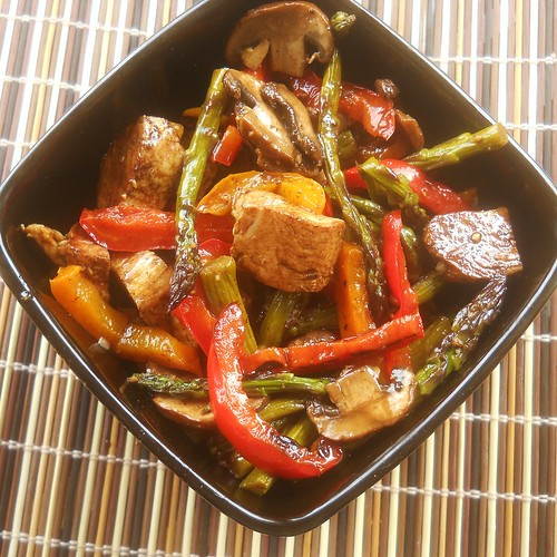 Balsamic Grilled Chicken Salad with Asparagus, Pepper and Mushrooms