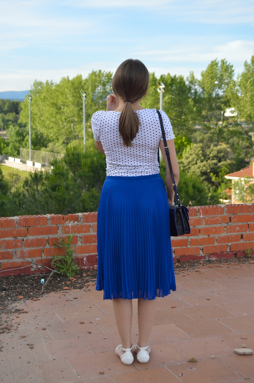 lara-vazquez-fashion-blog-madlula-back-midi-blue-skirt