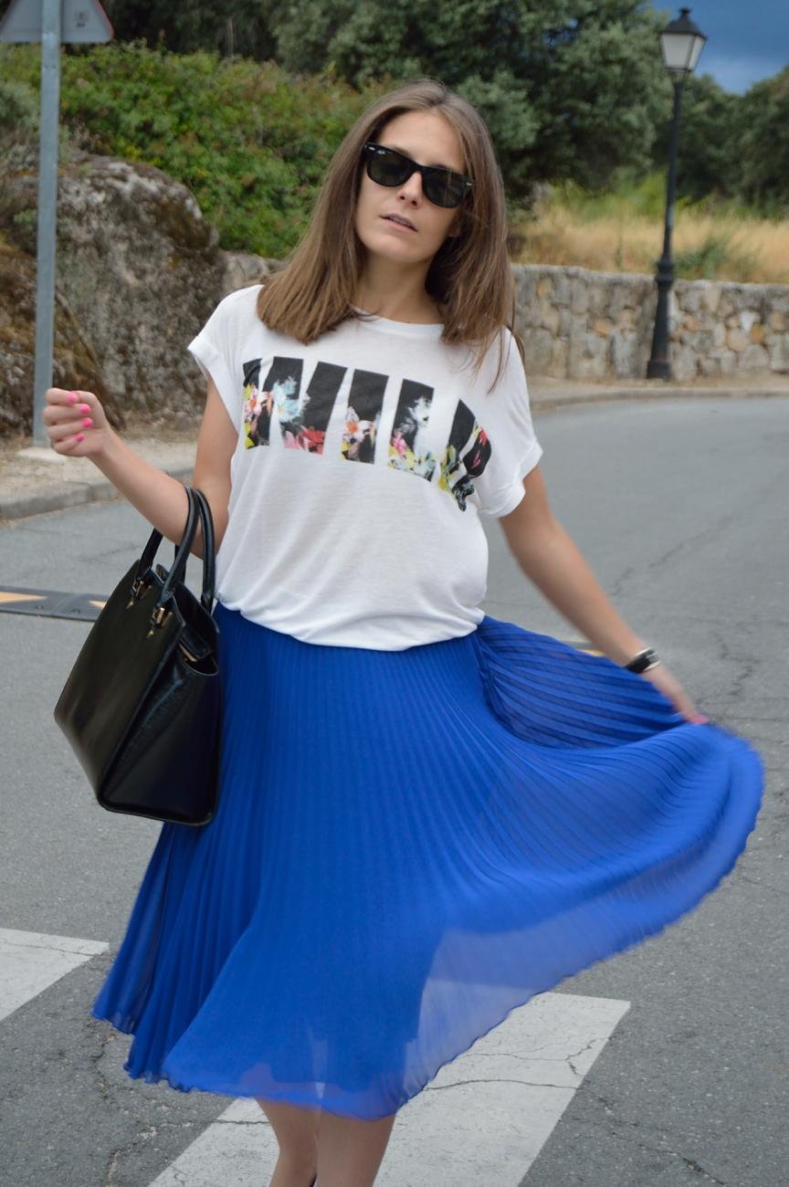 lara-vazquez-madlula-blog-style-fashion-trends-midi-blue-wild-girl