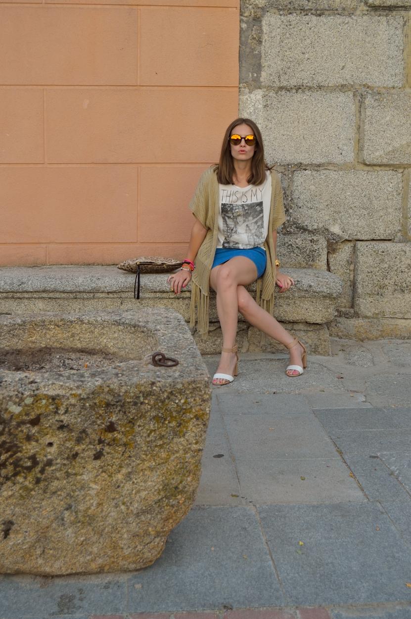 lara-vazquez-madlula-blog-fashion-fringes-blue-skirt