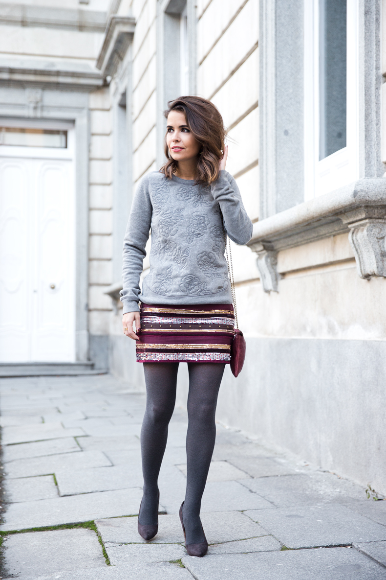 Abercrombie-Embroidered_Skirt-Sweatshirt_Grey-Outfit-Street_Style-Collagevintage-20