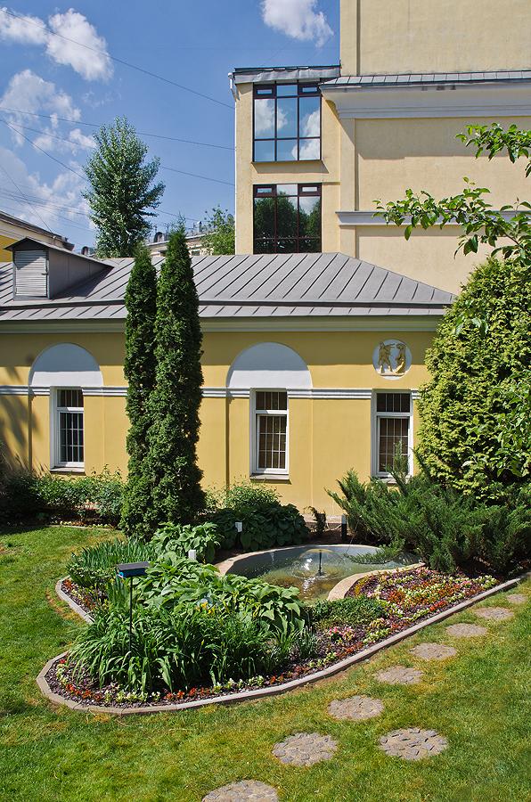 Morozova's Mansion 23