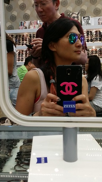 Trying on the Ray-ban sunnies. Love love this!