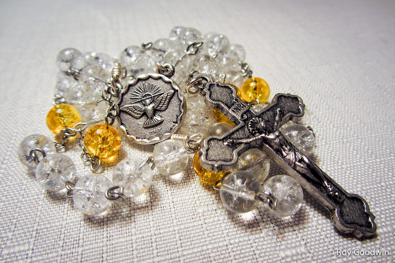 8mm Clear Crackle Glass Catholic Rosary