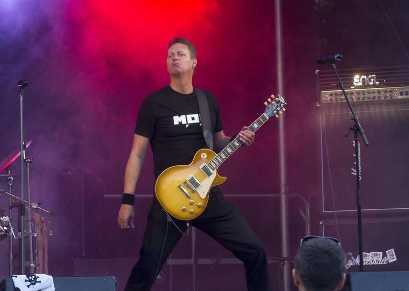 A rock'n'roll pose