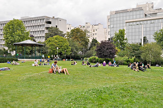 http://hojeconhecemos.blogspot.com/2014/09/do-jardin-des-tuileries-paris-franca.html