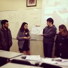 Aqui os mesmos apresentando em grande estilo :) #curso #ux #uxniversity