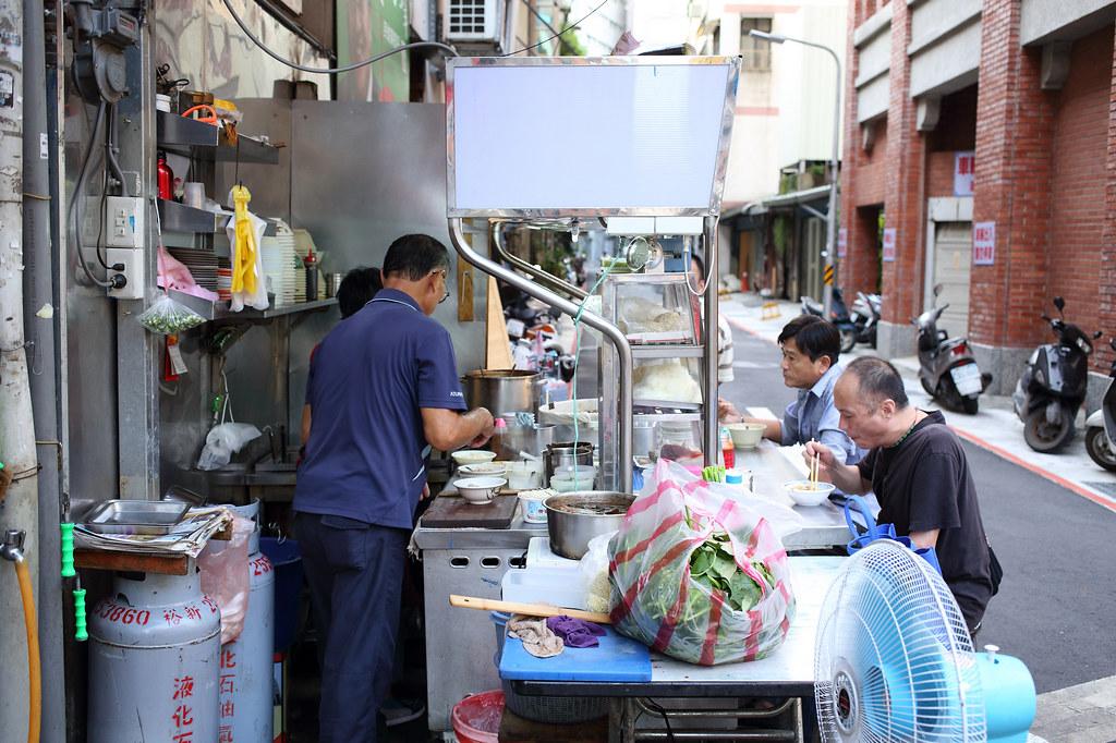20140829大同-長安西路177巷與天水街口麵攤 (2)