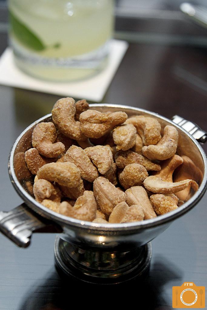 Sage cashew nuts