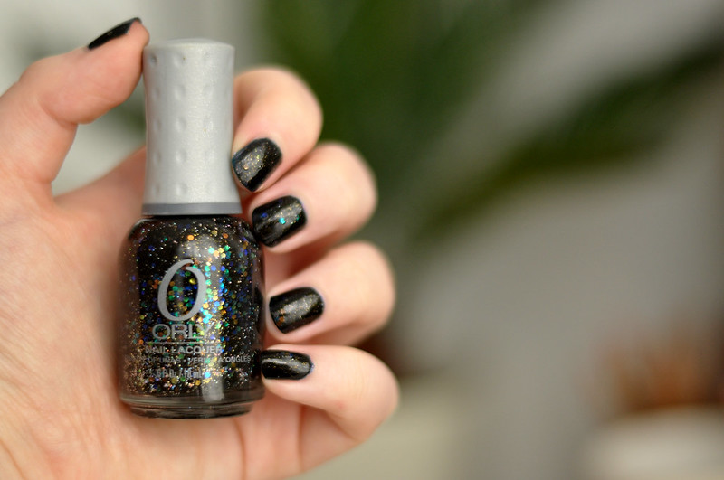 notd orly androgynie over black nail polish rottenotter rotten otter blog 2
