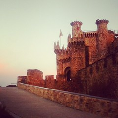 Pueblos de #España que parecen trasladados desde el siglo XV. #CaminodeSantiago#Mochileras#Viajar#Travelblog#Travel#Mochila#VueltaalMundo#Turismo#Turistear en tu país #Felicescomoperdices#Castillos#Ponferrada